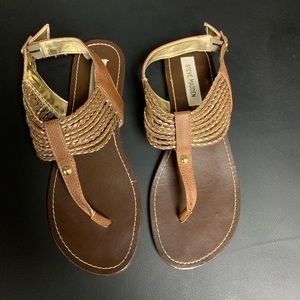 Steve Madden size 9 brown and gold sandals(tan)